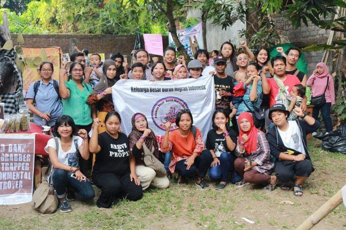 Kabar Bumi dalam kegiatan 'Feminist Carnaval' di Bali (14/10). Foto: Kabar Bumi.